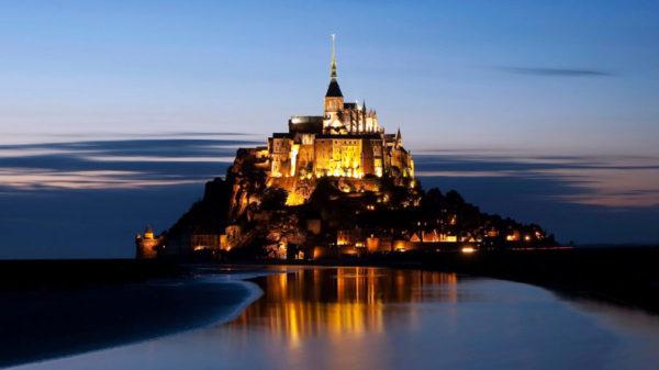 Apus Mont Saint-Michel