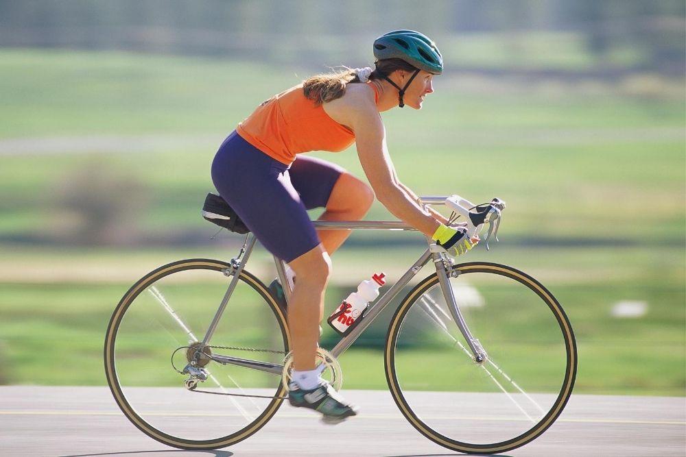 mers pe bicicleta