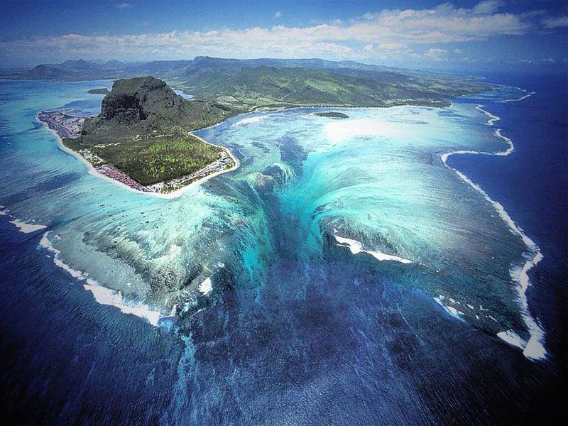 cascada subacvatica Mauritius